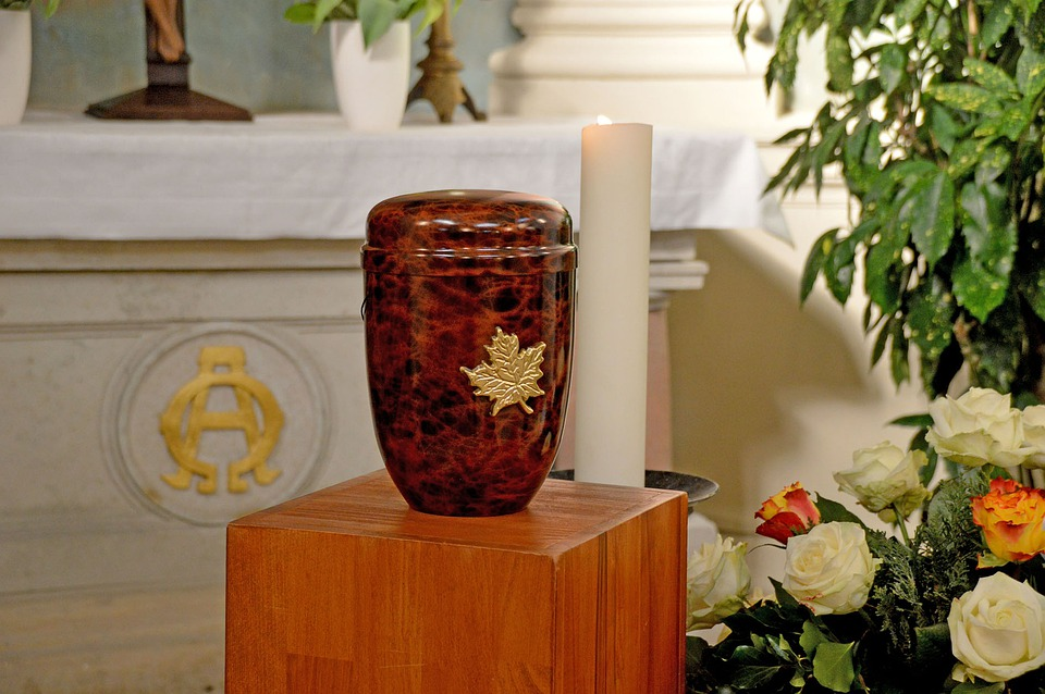 burial or cremation estate planning